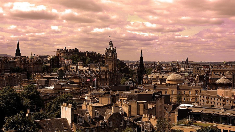 Watch Edinburgh Nights with Sue Perkins live