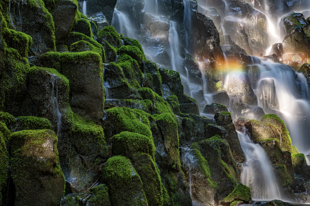 15 Unbelievable Waterfalls You Can Find in the U.S.