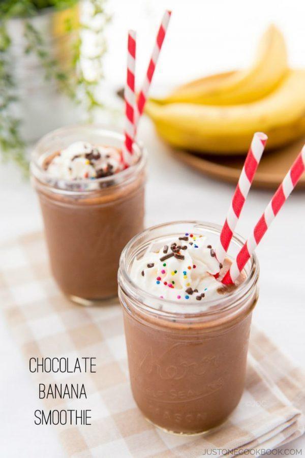 https://www.justonecookbook.com/wp-content/uploads/2014/08/Chocolate-Banana-Smoothie-II-600x901.jpg