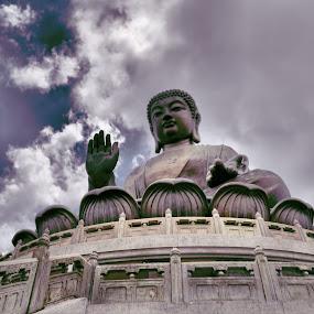 Hong Kong: The Big Buddha by Anson Lee - Travel Locations Landmarks ( hong kong, the big buddha, travel, 6d, attraction, ngong ping )