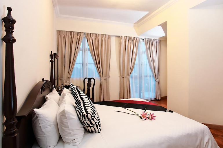 Superior bedroom in West Coast Road Apartments, Clementi