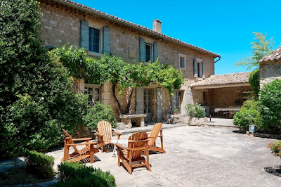 A Warm Family Home With Views of the Luberon
