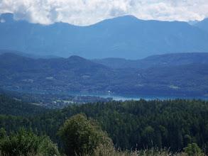 Photo: In der Ferne Wörthersee und Alpen.