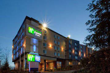 Holiday Inn Express and Suites SeaTac