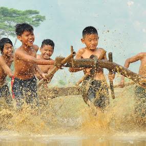 Happiness by Tamlikho Tam - Babies & Children Children Candids