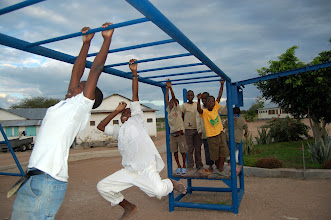 Photo: Children on a monkey bar