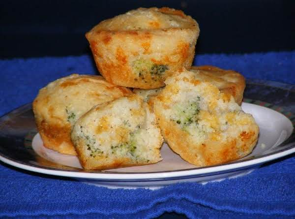 Broccoli Cheddar Cheese Biscuits