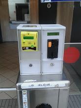 Photo: V některých věcech jsou tu fakt pokrokoví. Třeba za záchod na nádraží můžete zaplatit kartou.