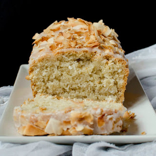 {Vegan Coconut Loaf Cake}.