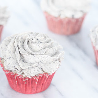 Bakery Style Cookies and Cream Cupcakes