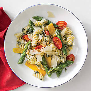 Spinach-Artichoke Pasta with Vegetables.