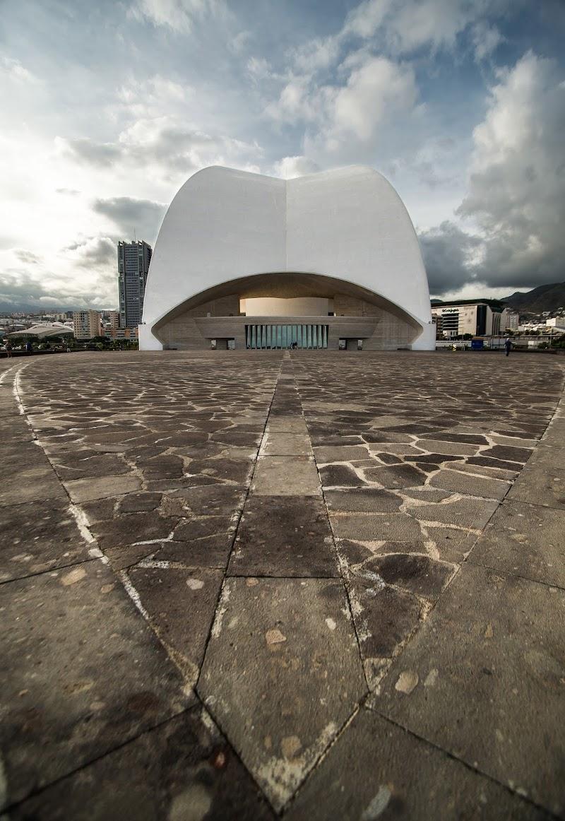 Modern architecture di jandmpianezzo@bluewin.ch