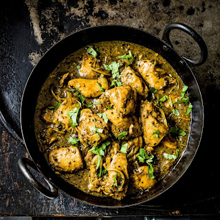 Indian Garlic and Black Pepper Chicken Curry.