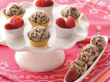 Raspberry Fudge Balls With Almonds Recipe
