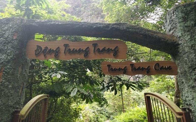 Alt: Lối vào hang động Trung Trang