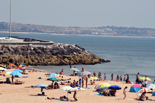 lisbon-beach-scene-1.jpg - Beaches at division of river and Atlantic Ocean.