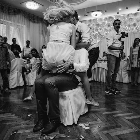 Wedding photographer Monika Machniewicz-Nowak (desirestudio). Photo of 14.02.2018
