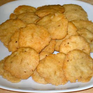 Mathri (Salted Crackers).