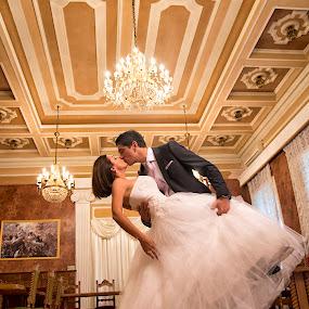 in a castle by Jovan Barajevac - Wedding Bride & Groom ( bečej, mladenački sešn, dvorac dunđerski, slike sa svadbe, magic moments, bojana i jovan, foto sešn, venčanje, ceremony, kreativne fotografije venčanja, fotografisanje venčanja, fantast, svadba, castle, bride, profesionalni fotograf, profesionalne fotografije venčanja, wedding photo session, groom )