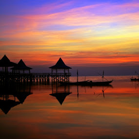 Sunrise at Kenjeran, East Java by Hernan Halim - Landscapes Travel ( sunset, sunrise, landscape )