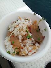 """Photo: 12:00も回って、""""お昼ごはん""""! 御厨さん特製の""""ちらし寿司""""! 中に入っているお魚さんは、オオモンハタの刺身です! いつもおいしい料理ありがとうございます!"""