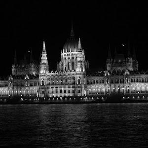 Parliament4 from Danube 8.jpg