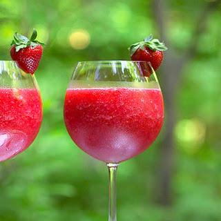 Frosé (Frozen Rosé) Is the Hottest Drink of Summer.