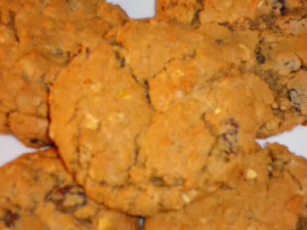 Da Bomb Oatmeal Raisin Cookies