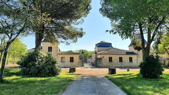 Vente propriété 13 pièces 700 m2