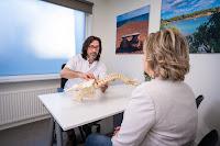 Chiropractoren slaan alarm: explosieve stijging rugklachten