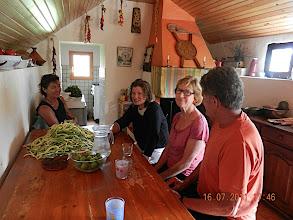Photo: Une petite route vers Esterencuby nous conduit dans la cabane de Denise et Alain à 1200 ms. Fromage, vin, réception chaleureuse