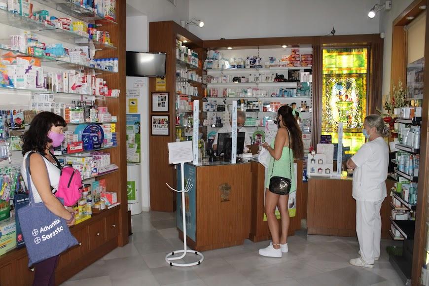 Farmacia de las Cuatro Calles.