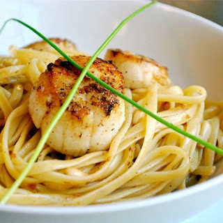 Pan-Seared Scallops with Linguine and Roasted Pine Nuts