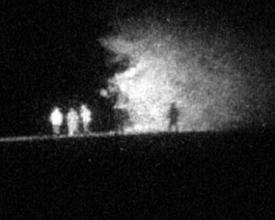Photo: Ночь. Бойцы идут вдоль кромки леса. Расстояние 430 м. Пример демонстрирует эффект выделения объектов на подстилающей поверхности или разделение объектов по дальности.