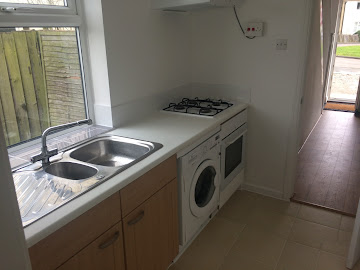 One bedroom flat with a shared kitchen with 2 other en-suites