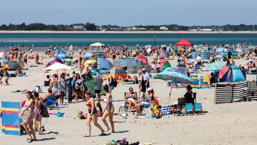 La Comisión Europea desaconseja reservar ya las vacaciones de verano