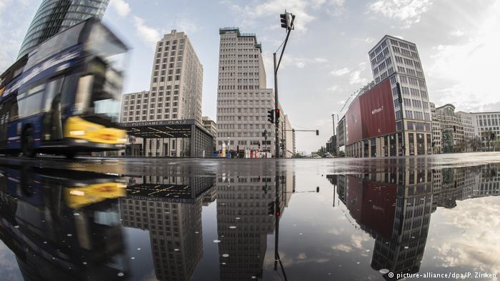 Потсдамська площа після дощу