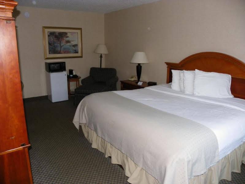 Holiday Inn Corning - Painted Post