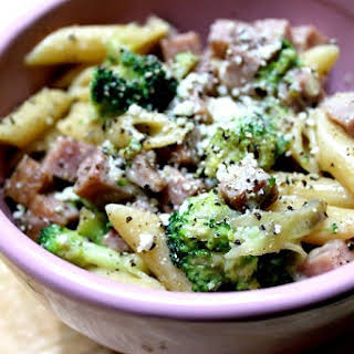 Fast One-Pan Ham and Broccoli Pasta.