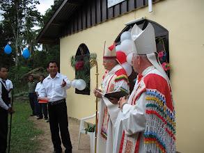 Photo: Opening van de nieuwe kerk in Apura