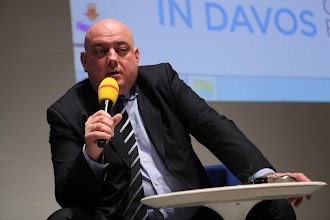 """Photo: Yannis Freris -  final panel discussion: """"Chief Comms Officer's Role"""" Panel - 2012"""