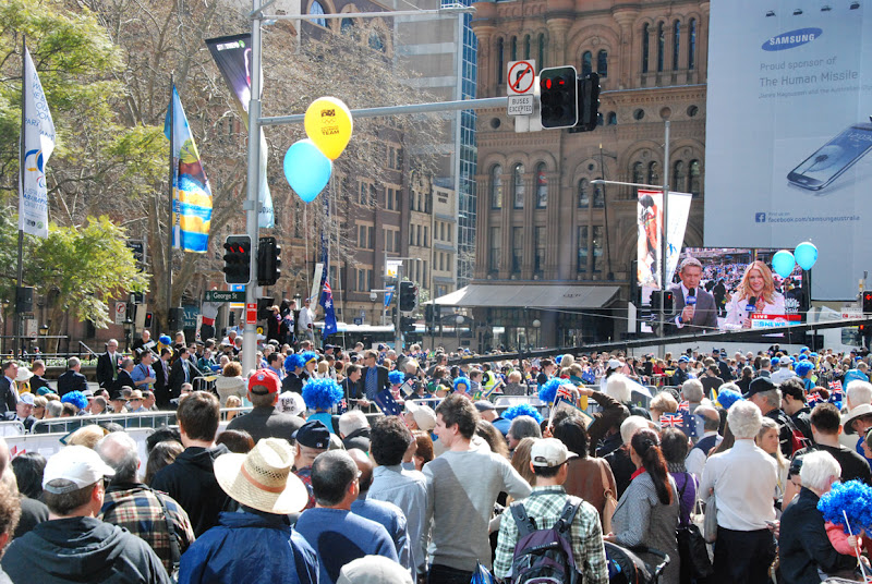 Photo: George St Sydney: the crowd welcomes home the 2012 Australian Olympic Team.