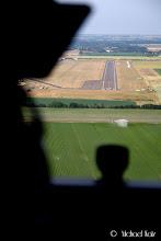Photo: Final approach til 06R på Duxford Airport.