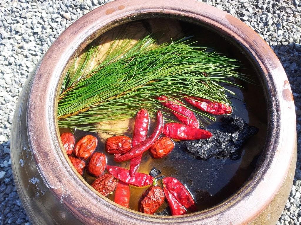 항아리에 숙성되는 과정에서 웅장한 풍미가 생겨난다. ⓒ Natural Farming Hyerimwon
