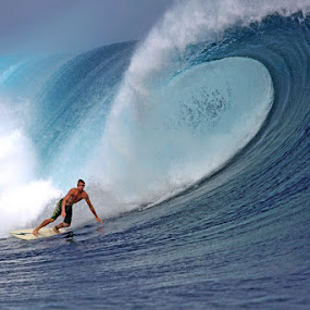 Surfing Big Wave by Paul Kennedy - Sports & Fitness Surfing ( surfing, surfer )