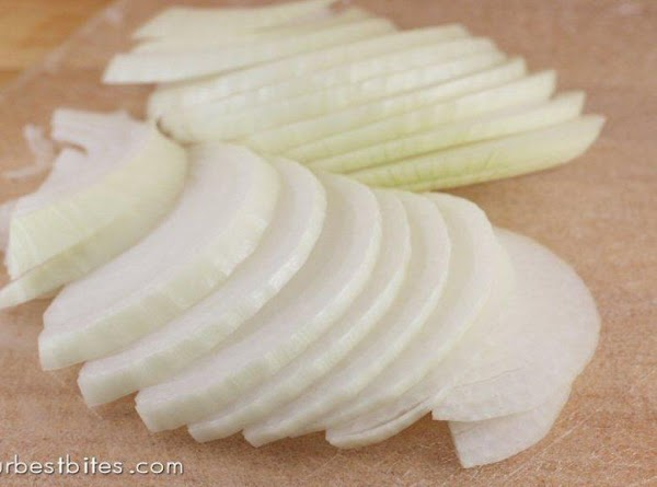 peel and cut the Vidalia in half then slice each half into 1/4 strips...