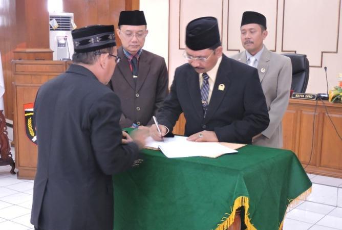 DPRD Kabupaten Ngawi Setujui PAPBD 2016