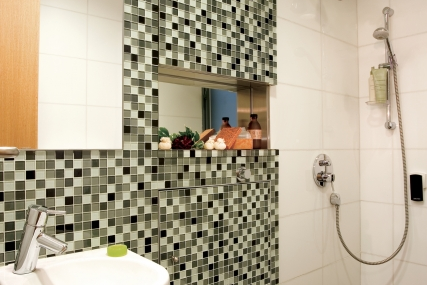Bathroom at Delightful 1 Bedroom on Hollywood Road, Hong Kong