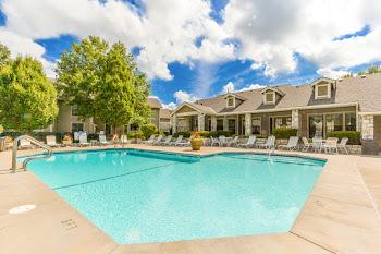 Go to Three Lakes Apartments website