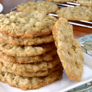 Thin and Crispy Oatmeal Cookies Recipe